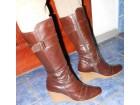 Braon cizme na platformu 37