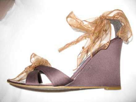 Braon nove sandale sa platformom