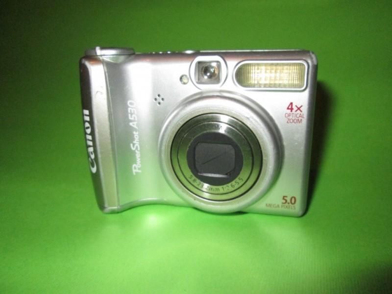 Canon Powershot A530 Neispravan za delove.
