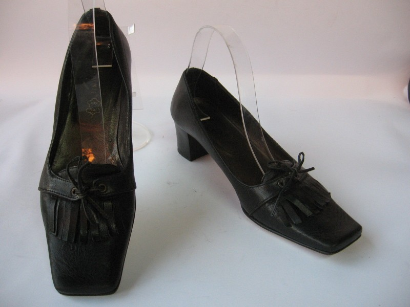 Cipele kožne italijanske `Differente` br. 37