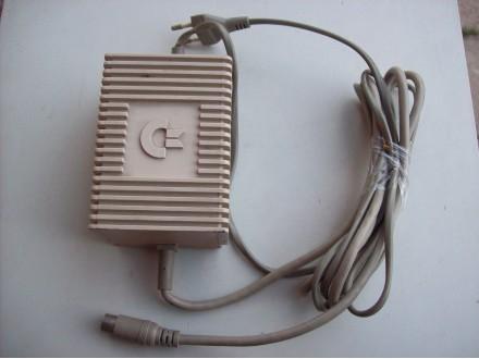 Commodore napajanje  za  C 64
