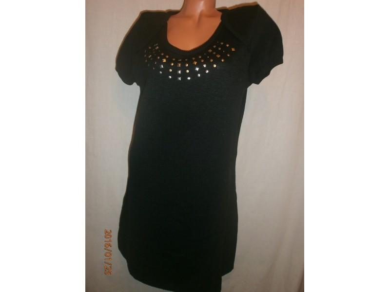 Crna haljina S-M-L kao nova sa nitnama