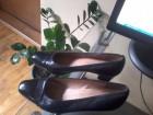 Crna kozna cipela