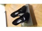 Crne cipele od prevrnute kože, visoka podpetica