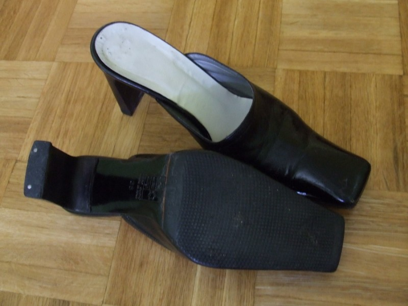 Crne italijanske papuce cipele br. 38