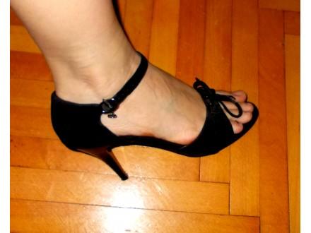 Crne sandalice