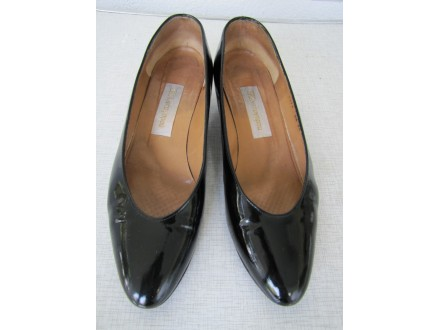 Crne zenske salonske cipele,lak crna koza