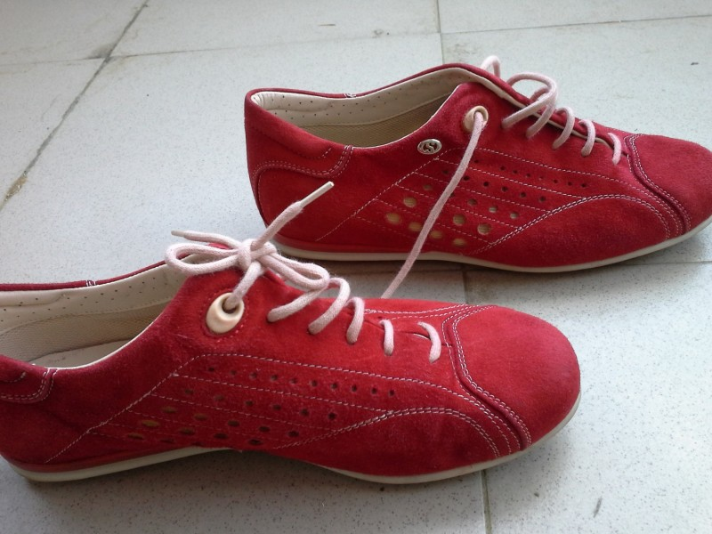 Crvene Superga cipele/ patike