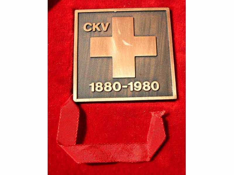 Crveni krst vojvodine plaketa