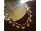 Crveno zlatna ogrlica