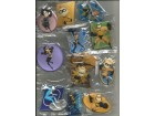 DISNEY PIXAR THE INCREDIBLES set magneta