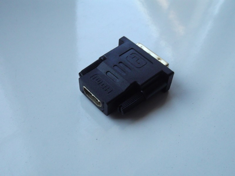 DVI na HDMI muški na ženski adapter