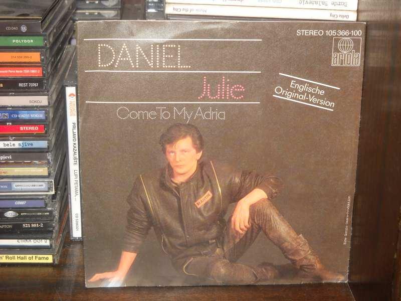 Daniel (8) - Julie