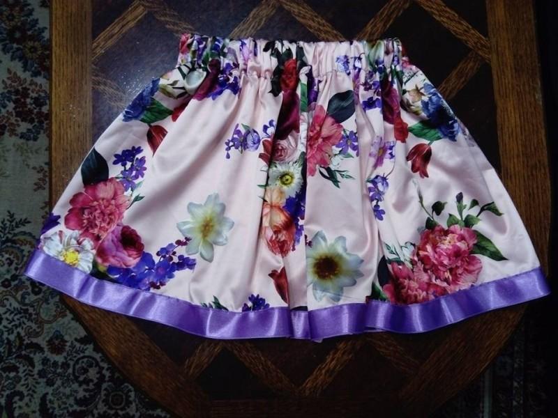 Deciji komplet,suknja i bluzica br 7,savrsen od  saten