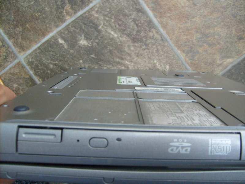 Dell lattitude D505 / donji deo kućišta