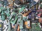 Deset kilograma neispravne elektronike (1)