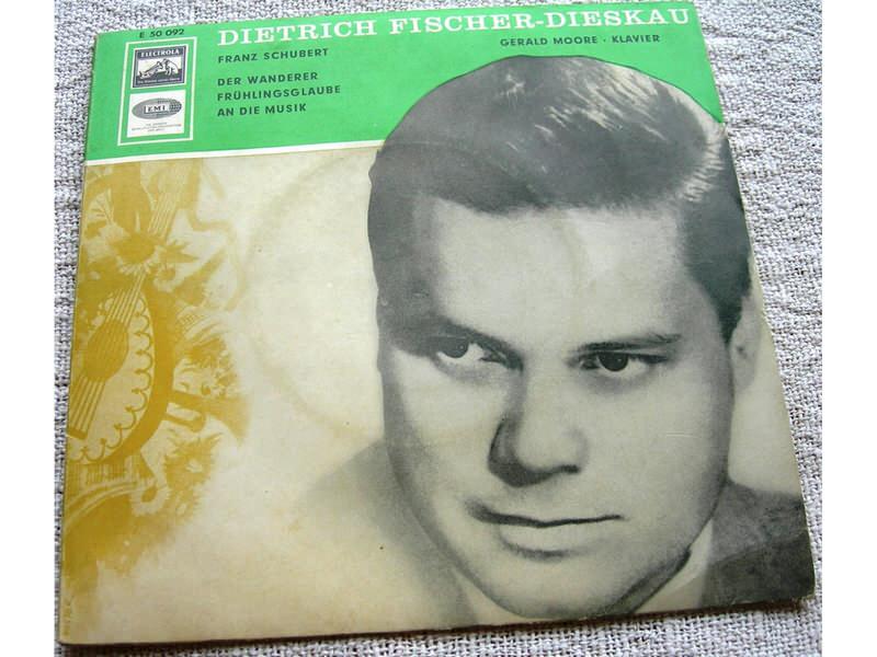 Dietrich Fischer-Dieskau - Der Wanderer - F. Schubert