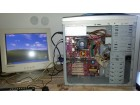 Dobar agp racunar Intel 2.4 komplet kuciste +monitor 15
