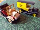 Dva stara automobila Igra CZECHOSLOVAKIA  i nepoznati