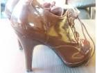 Elegantne cipele/stikla