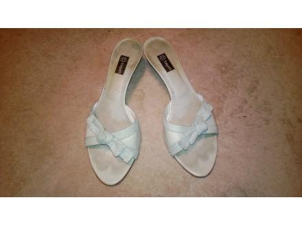 Elegantne kozne papuce