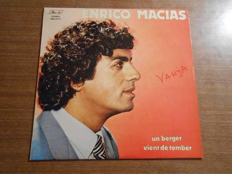 Enrico Macias - Un Berger Vient De Tomber