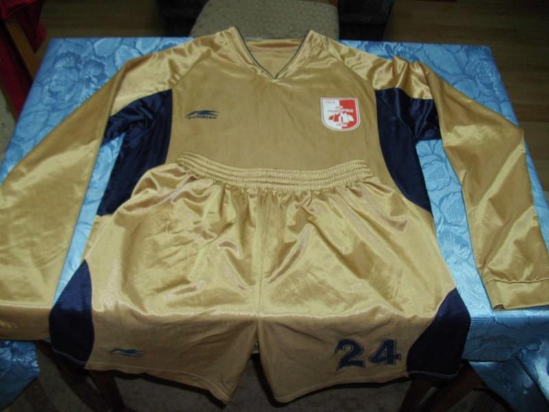 FK Radnicki Nis - originalni retro dres iz 90-ih