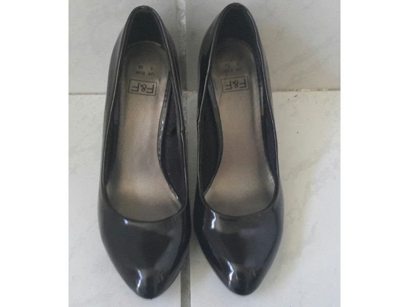 F&F crne lakovane cipele 38
