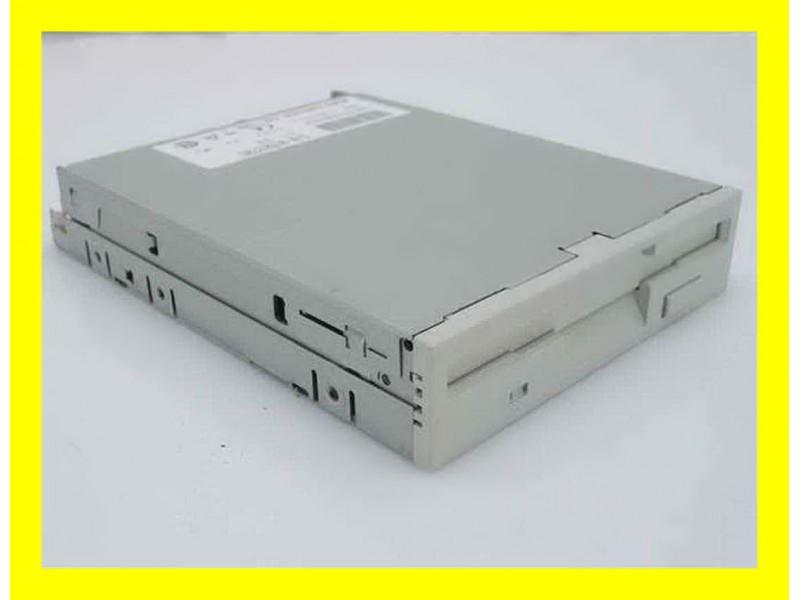 Floppy disk drajv 3.5`