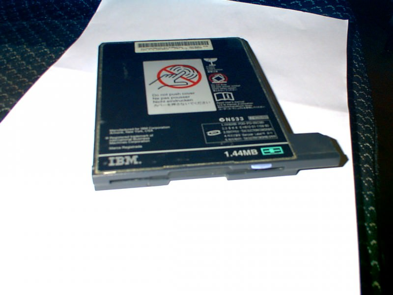 Floppy za IBM laptop