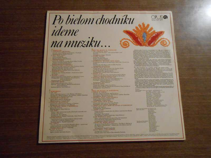 Folklórny Súbor Partizán - Po Bielom Chodníky Ideme Na Muziku...
