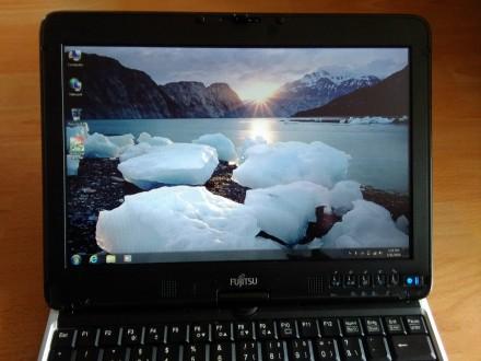 Fujitsy  I5 quad 2.53 ghz /4gb /500gb/touch screen