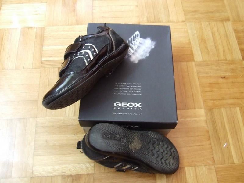 GEOX lakovane cipele broj 28