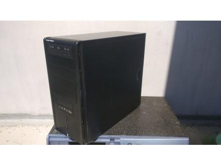 Gejmer komp i7-960/Asus sabertooth/Asus 6870/6Gb