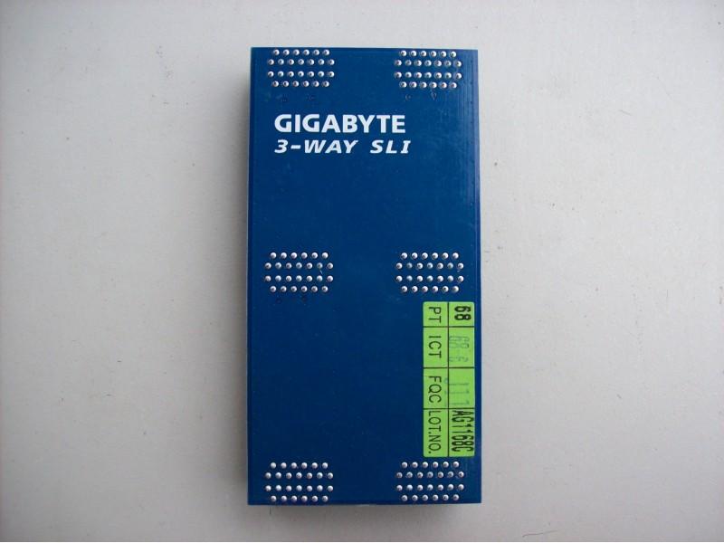 Gigabyte  3-Way  sli  mostic