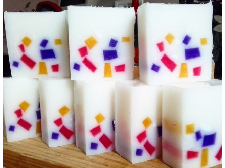 Glicerinski sapun ručno pravljen - Jagoda/Kupina