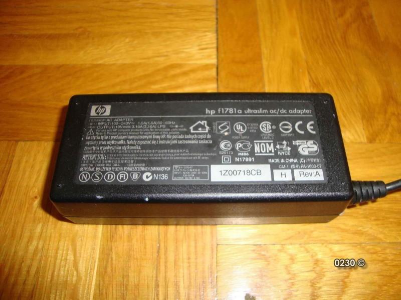 HP laptop punjac f1781a 19V 3.16A