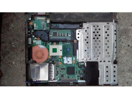 IBM T41 Maticna ploca i donji deo kucista