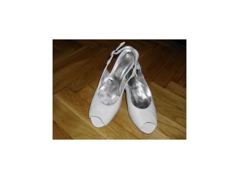 Italijanske bele kožne sandale