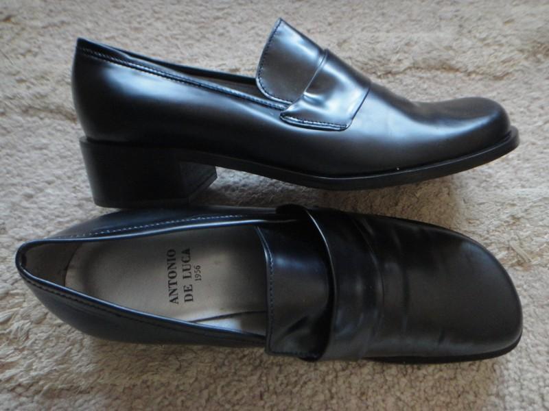 Italijanske cipele 38, Antonio de Luca