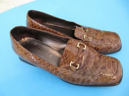 Italijanske cipele kožne lakovane zmijska šara br.40.5