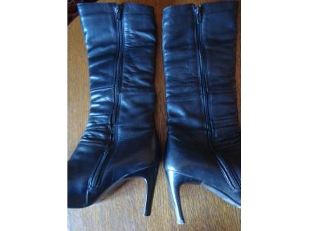 Italijanske crne čizme