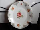 Izuzetan ukrasni tanjir sa Ružama i Poazlatom