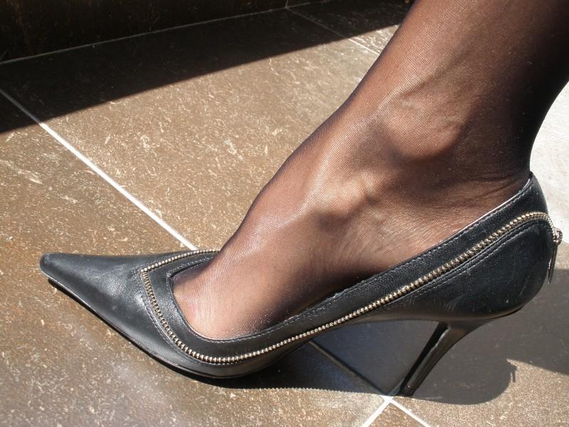 Jessica Simpson crne cipele,vel 37