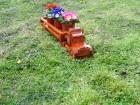 Kamion-drvena žardinjera za cveće