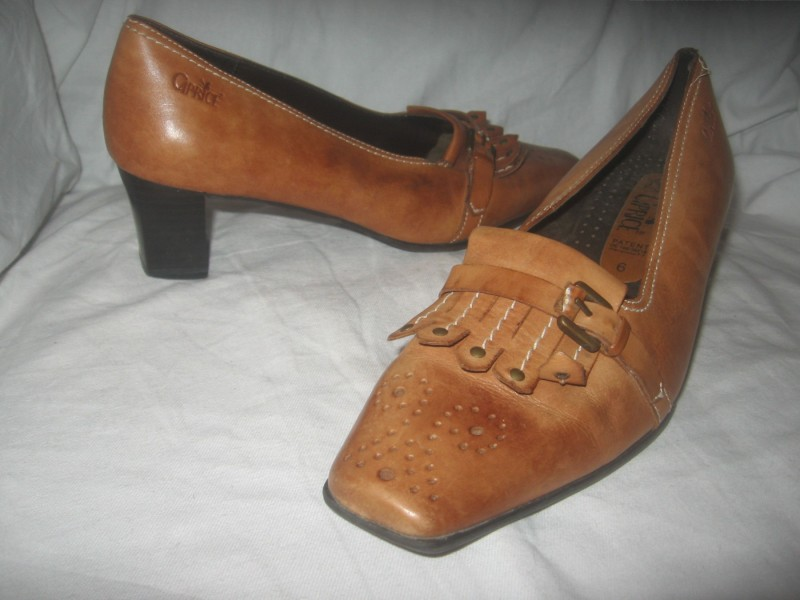 Kožne cipele `caprice`