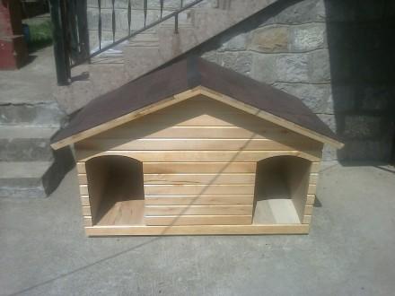 Kućica za 2 psa od punog drveta sa izolacijom i tegolom