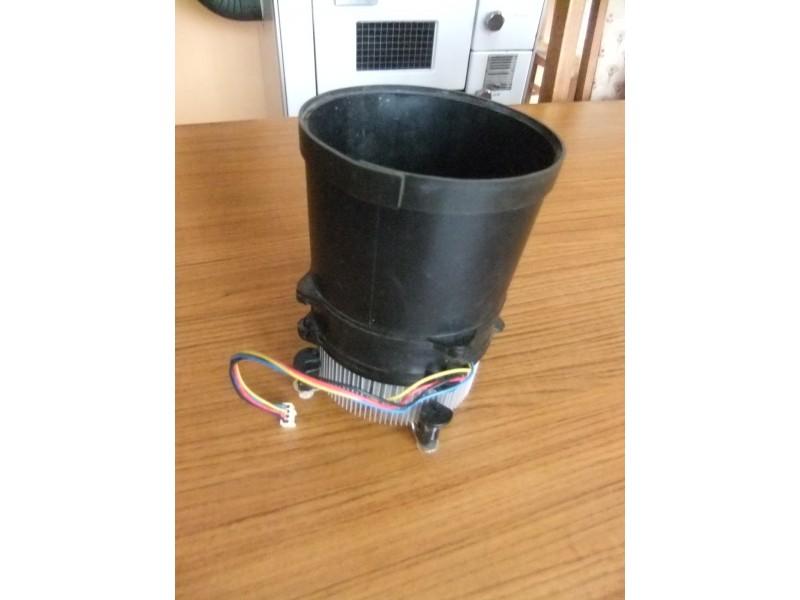 Kuler i hladnjak Cooler Master sa plasticnim odvovom