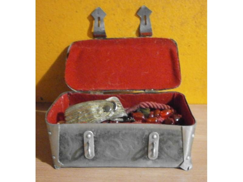 Kutija za nakit metalna
