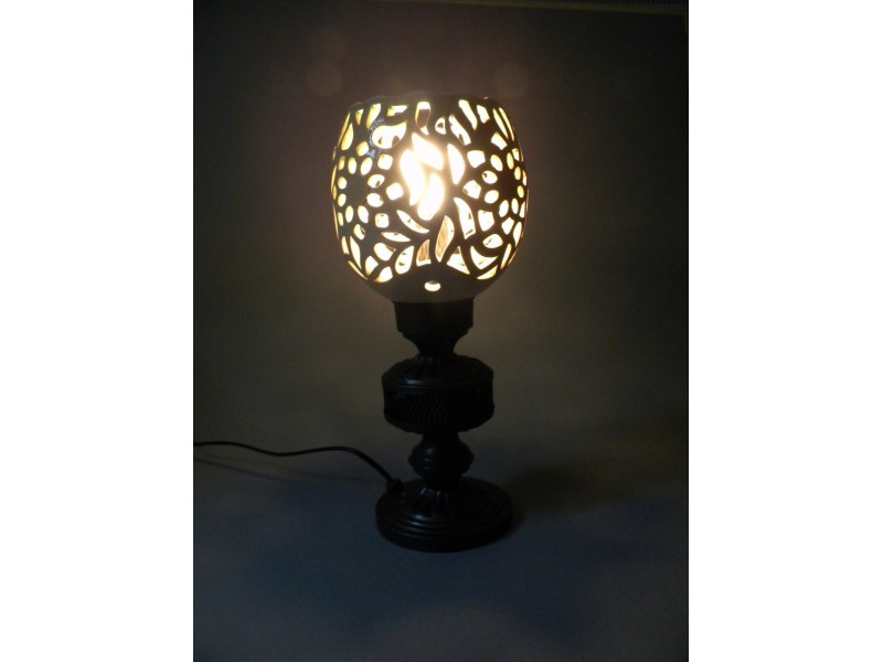 Lampa sa keramičkim abažurom (9)